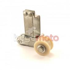 Пружинный натяжитель приводной цепи